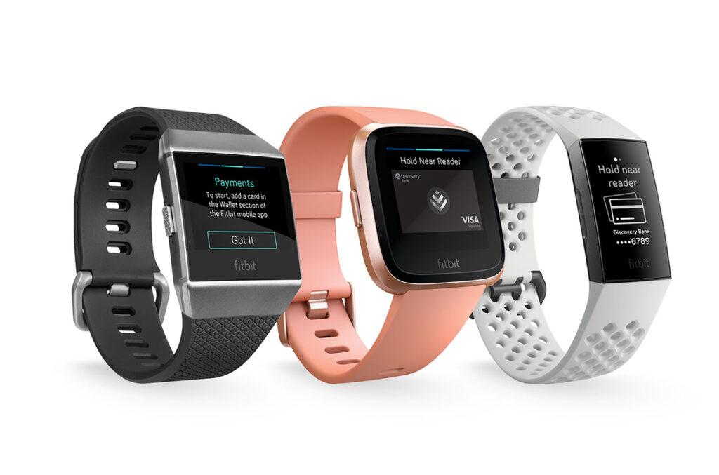 Med Fitbit Pay kan du betale uden at skulle have betalingskort eller mobil med dig.